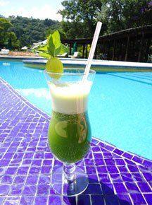 Suco verde é nutritivo e refrescante