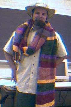 Dr Who Scarf Tutorial.  I already made one, but I might make another.... someday.