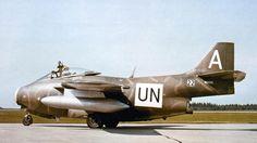 Um Tunnan com a marca da ONU no Congo, no início da década de 1960; nenhum avião foi perdido em combate