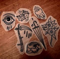 Love the umbrella tattoo designs ideas männer männer ideen old school quotes sketches Kritzelei Tattoo, Dice Tattoo, Tattoo Pain, Old School Tattoo Designs, Small Tattoo Designs, Ankle Tattoo Small, Small Tattoos, Temporary Tattoos, Arrow Tattoos