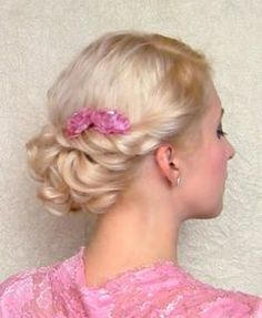 Beautiful formal updo by Lilith Moon