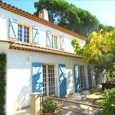 #Vente de cette #villa sur les collines niçoises par notre partenaire Arthurimmo - Agence des beaux Arts Tous les détails sur notre site 4 chambres, grand jardin et piscine http://www.evidence-immobiliere.com/lsi-ad-details/?lsi_s_prestige=1&lsi_s_sort=lastupdate%2Bdesc&lsi_s_page=1&position=8