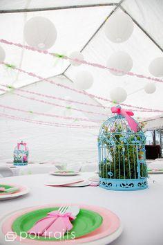 Bird Cages & Lanterns..a striking combo!