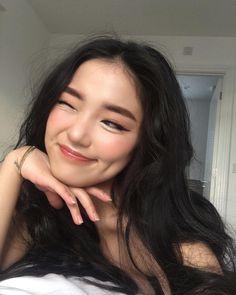 cute girl ulzzang 얼짱 hot fit pretty kawaii adorable beautiful korean japanese asian soft grunge aesthetic 女 女の子 g e o r g i a n a : 人 Beauty Make-up, Asian Beauty, Hair Beauty, Aesthetic Makeup, Aesthetic Girl, Cute Makeup, Hair Makeup, No Make Up Make Up Look, Ulzzang Makeup