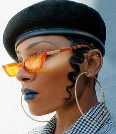 Round Sunglasses, Mirrored Sunglasses, Trending Sunglasses, Funky Glasses, Face Profile, Crazy Eyes, Eyeglasses, Eyewear, Fashion Photography
