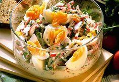 Vajíčkový salát s ředkvičkami.