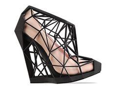 Une chaussure dans une chaussure.