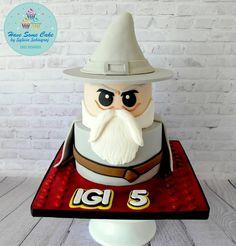 Lego cake ,Gandalf the Grey - Cake by Sylwia Sobiegraj ( Have some cake by Sylwia Sobiegraj) Bolo Ninjago, Lego Ninjago Cake, Lego Cake, Fancy Cakes, Cute Cakes, Awesome Cakes, Sweet Cakes, Gandalf, Fondant