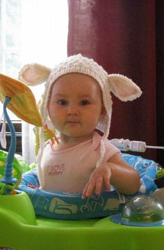 Lamb Ear Baby Hat | What an adorable baby hat knitting pattern!