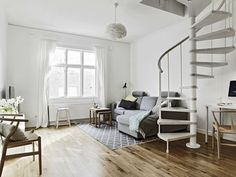 Keeping it simple in calm white and wood