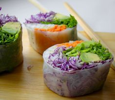 Vegan Vietnamese summer rolls with cabbage, avocado and carrot.