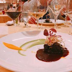 藤枝産仔猪のバラ肉と牛蒡の赤ワイン煮込み