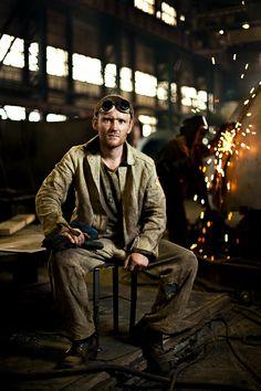 environmental portrait #welding #factory / nice lighting