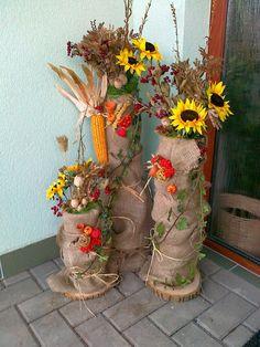 podzimní výzdoba před vchod Fall Halloween, Halloween Crafts, Home Entrance Decor, Mod Podge Crafts, Bridal Table, Autumn Activities, Garden Styles, Fall Crafts, Classroom Decor