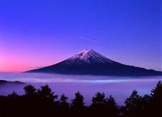 Fuji and Fujiyoshida City (Translation of the Post on Oct) Monte Fuji, Wonderful Places, Beautiful Places, Beautiful Scenery, Mount Fuji Japan, Amazing Hd Wallpapers, Wallpaper Awesome, Fuji Mountain, Japan Travel