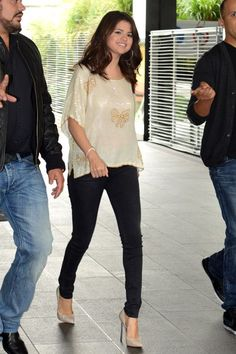 Candid paparazzi pictures of superstar Selena Gomez out and abou in Paris, France September 3, 2012 1