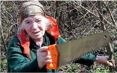 El 28 de marzo de 2011, una mujer jubilada de 75 años llamada Hayastan Shakarian buscaba cobre con una pala de jardinería en Georgia. Cortó un cable de fibra óptica y dejó a todo Armenia sin conexión a Internet por varias horas.    Shakarian fue arrestada, y entre lágrimas se defendió argumentando que nunca había oído de la existencia de Internet.