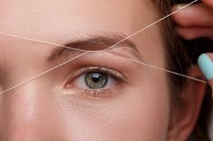How To Thread Your Eyebrows