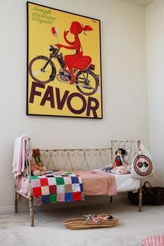 (French vintage kids room) Im in love with this toddler bed! I need to find one asap! Casa Kids, Posters Vintage, Vintage Clocks, Vintage Graphic, Graphic Art, Sweet Home, Kids Decor, Home Decor, Deco Design