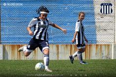 Uno y uno para el Fútbol Femenino Club Atlético Talleres  La Primera de Fútbol Femenino de Talleres cayó ante la Academia por 1 a 0 en Nueva Italia. El partido correspondió a la decimoquinta fecha de la Fase Clasificatoria del Torneo Oficial de la Liga Cordobesa.  El cotejo fue vertiginoso desde el inicio. En la primera etapa ambos equipos tuvieron la posibilidad de ponerse al frente del marcador pero finalmente la misma concluyó 0 a 0.  En el complemento el trámite se tornó aún más…