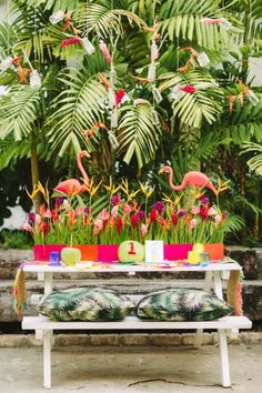 Colorful and tropical wedding inspiration shoot in Fiji with birds of paradise and a pink flamingo wedding cake. Tropical Style, Tropical Vibes, Luau, Tropical Wedding Reception, Decoration Evenementielle, Do It Yourself Design, Flamingo Party, Indian Wedding Decorations, Partys