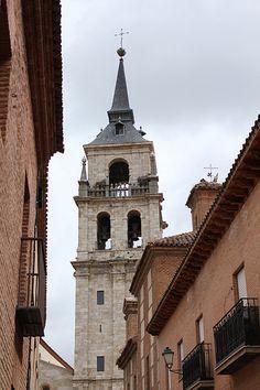Catedral de #AlcaládeHenares, Madrid. Notre Dame, Castles, Beautiful Places, Spain, Architecture, Building, Pictures, Travel, Art And Architecture