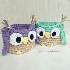 Bom dia! Olha que inspiração mais fofa essas #cestinhas  #corujas !  Da @knitandflower  Love por elas! #inspiração #inspiration #instacrochet #crochet #crochê #artesanato #craft #handmade #feitoamão #mimo #lovecraft #crochetlove #fiodemalhaecologico #fiodemalha