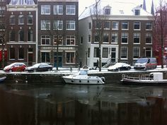 Fragile! First 2013-ice at the Amsterdam canals.