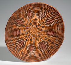 Africa | Basket from the Nubian people | Plant fiber and dye | ca. 1980.