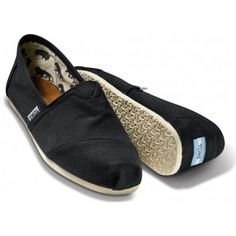 >>>TOMS shoes OFF! >>>Visit>> Love these and they come in tons of colors. and with every pair you purchase TOMS will give a pair of new shoes to a child in need. TOMS Classic Crochet Slip-On (Women) available at Nordstrom Toms Flats, Toms Shoes Outlet, Men's Toms, Shoe Outlet, Ballet Flats, Cheap Converse Shoes, Vans Shoes, Mens Toms Shoes, Suit Shoes