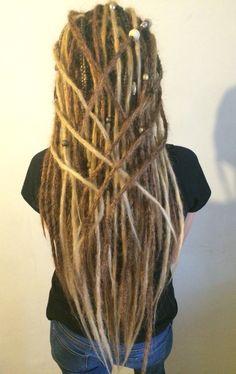 Pinterest: ||• ISayPerhaps •|| Cute Dreads, Long Dreads, Beautiful Dreadlocks, Dreads Girl, Dreadlock Hairstyles, Messy Hairstyles, Pretty Hairstyles, How To Make Dreadlocks, Dreadlock Accessories