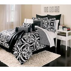 16-Piece-Queen-Bed-in-Bag-Set-classic-black-and-white
