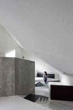 House in Minami-Azabu by Hitoshi Wakamatsu Architect and Associates | thelayer.me