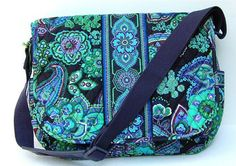 60c2ec5f5eae Vera Bradley Messenger Bags - Up to 90% off at Tradesy