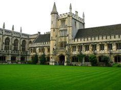 The Oxford University-The most beautiful campus in the world.
