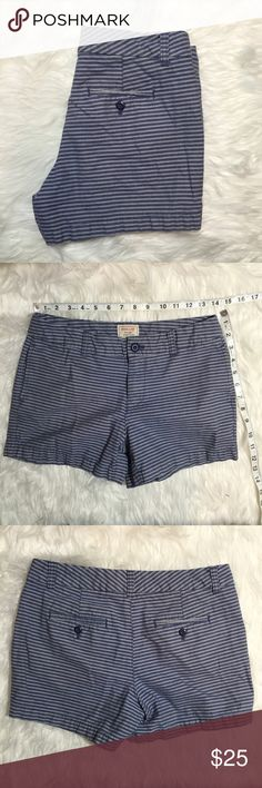 Khakis by GAP the 4th Short Blue Stripes Condition: used. No noted defects. Normal wear. • NO TRADES Gap Shorts