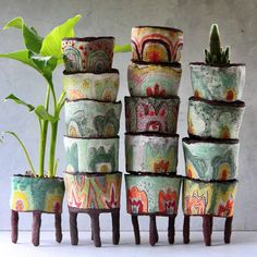 From 👏👌🌺🌷 so much fun and enjoyable . Pottery Bowls, Ceramic Pottery, Pottery Art, Paper Mache Sculpture, Ceramic Plant Pots, Clay Bowl, Paperclay, Land Art, Ceramic Artists