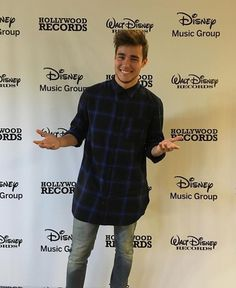 Jorge confirmed that he signed with Hollywood Records #JorgeSolista ilyYoyi♡