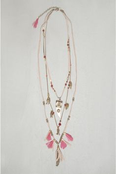☆ @iolandapujol ☆ rapsodia - SO BEAUTIFUL!! (Love the tassels & pops of pink!!)