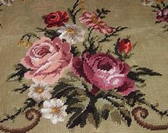 VINTAGE-PREWORK-NEEDLEPOINT-BEAUTIFUL-ROSES-IN-VINE-CHAIR-COVER-30-X-30