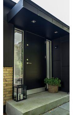 Precious Tips for Outdoor Gardens - Modern Yellow Brick Houses, Yellow House Exterior, Entrance Design, House Entrance, Facade Design, Danish House, Wooden Door Design, Grand Homes, House Extensions