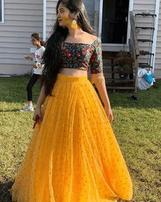 Party Wear Indian Dresses, Indian Gowns Dresses, Indian Bridal Outfits, Indian Fashion Dresses, Dress Indian Style, Indian Designer Outfits, Designer Dresses, Gown Party Wear, Dresses To Wear To A Wedding