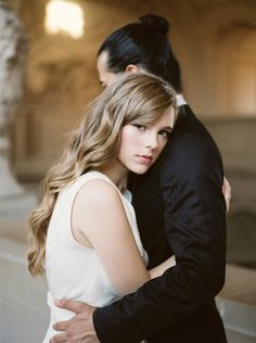 Get gorgeous civil wedding inspiration with this dreamy fine art shoot from San Francisco City Hall by Lara Lam and Kyra Gold. Hairstyles With Bangs, Trendy Hairstyles, Wedding Hairstyles, Gabriel, Chic Vintage Brides, Hairdo Wedding, Best Friend Wedding, Civil Wedding, White Blonde