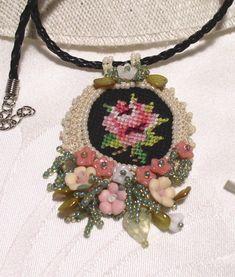 Pandativ Trandafir cu multe flori - Mărgele, coliere - Yatta.ro