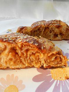 Tahinli çörek her zaman favorimdir.Pastane ve fırınlarda satılan çöreklere yakın bir lezzet yakalayabilirsiniz bu tarifle..Çok beğenildi .Tarif için Tülay hanıma teşekkür ediyorum. Tahinli çörek için gereken malzemeler 1 su bardağı ılık süt ½ paket yaş maya veya 1 paket kuru maya 1 yemek kaşığı tereyağı 2 yemek kaşığı sıvıyağ 1 yemek kaşığı toz şeker 1 …
