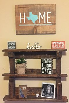 Cute shelf,sign and decor, perfect for a tweens bedroom! ❤️️❤️️❤️️