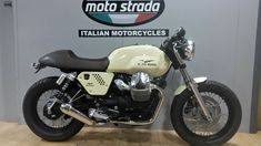This is the latest Moto Strada Café Racer Special developed by our talented in house workshop designers. We have taken a 2014 V7 Special and transformed it into a unique head turner, a stunning motorcycle enhanced with many bespoke and genuine upgraded factory parts. This bike has an Olde English Cream paint scheme with a...