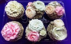 Cupcakes and buttercream flowers