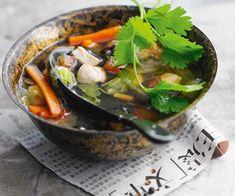 Découvrez les saveurs de l'Asie en préparant une délicieuse soupe chinoise au poulet. Suivez bien notre recette facile.