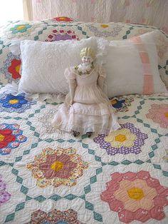 Wonderful 1930s Hand Quilted Grandma's Flower Garden Quilt